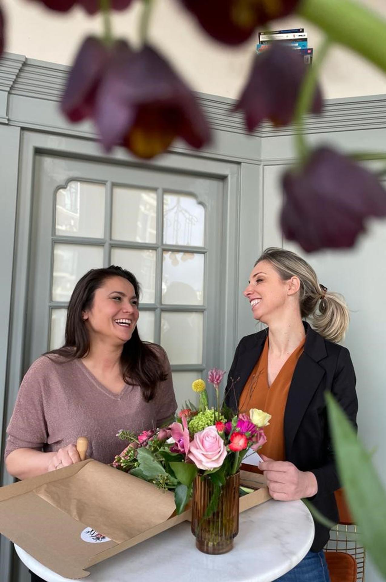 marloes-en-patty-fleurtjedag-waarderingspakketjes-cadeau-collega-relatiegeschenke